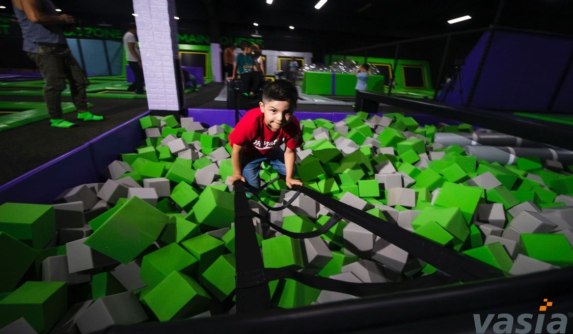 What are fun games to play for team building in the adventure trampoline park?